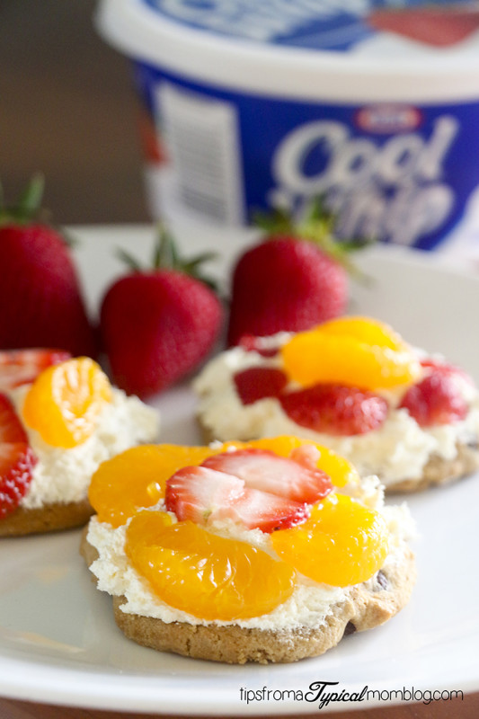 Cool Whip Mini Cheesecake Fruit Topped Pizzas for Kids